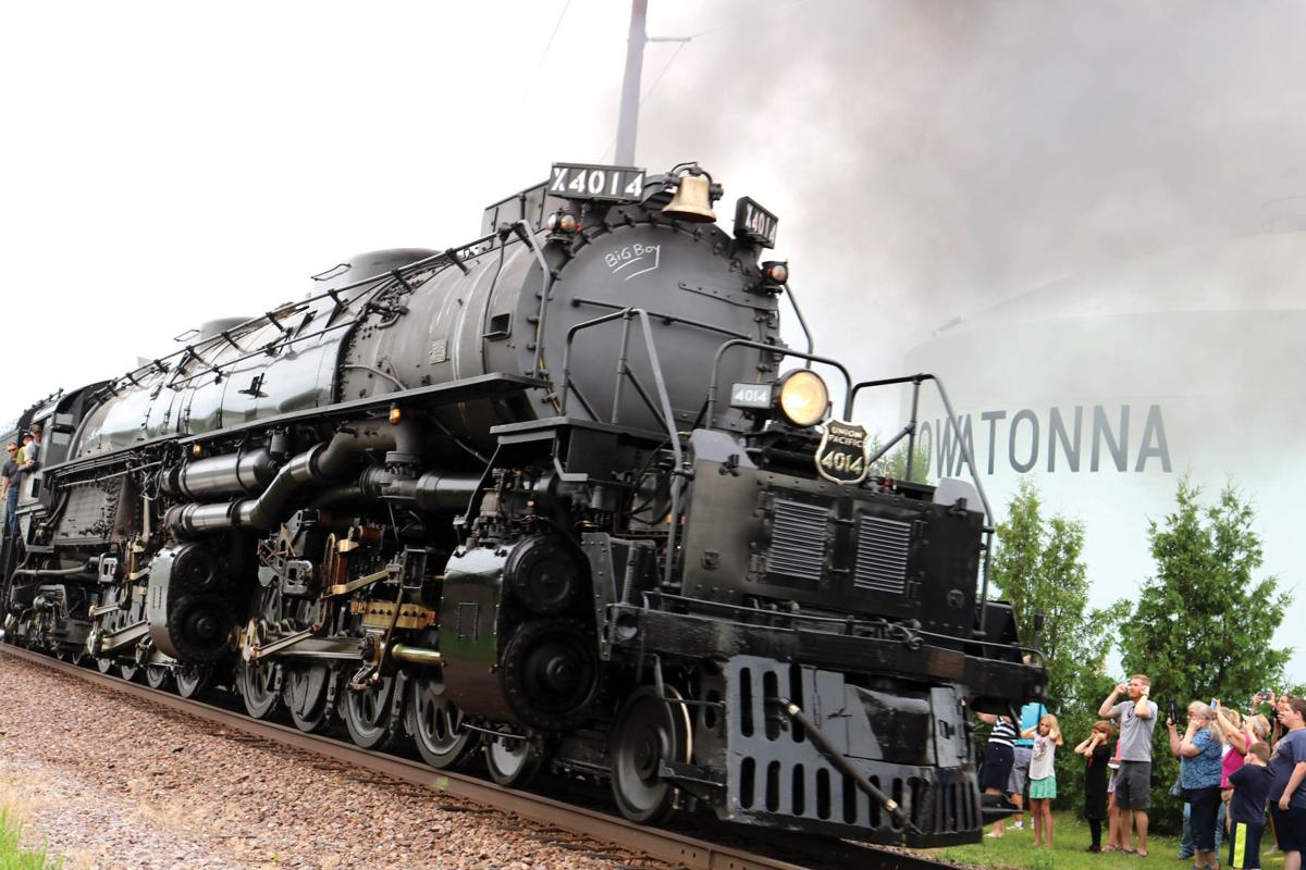 Big Crowd, Big Train, Big Boy: Steam locomotive No. 4014 pleases crowds in Owatonna