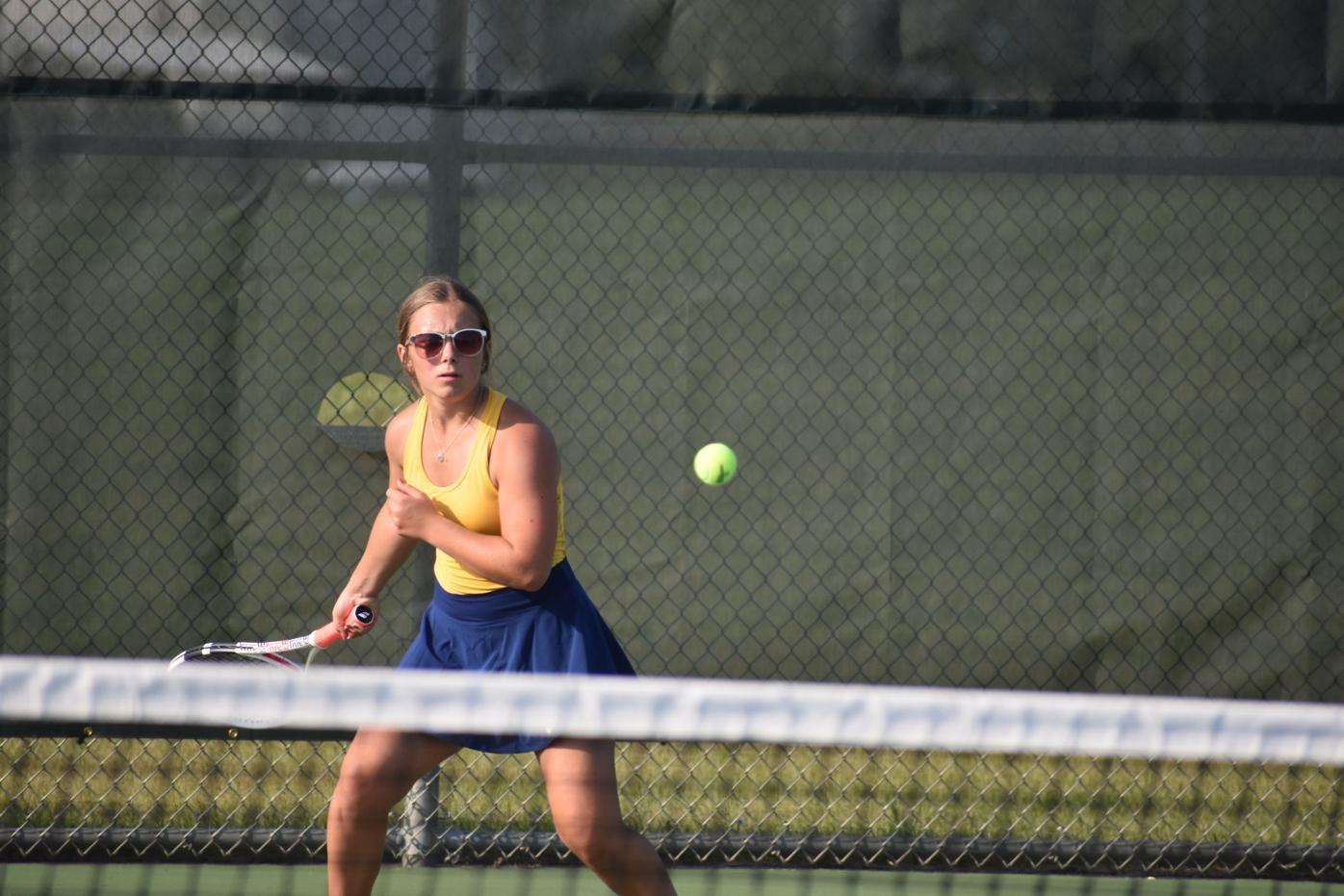 9.2 LS-H Tennis Anna Pavlo