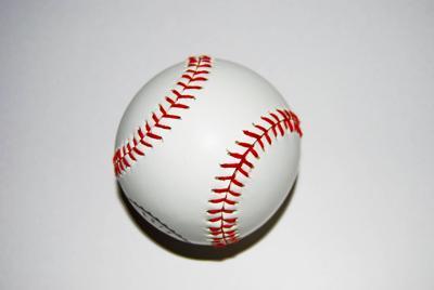 baseball-1416780.jpg