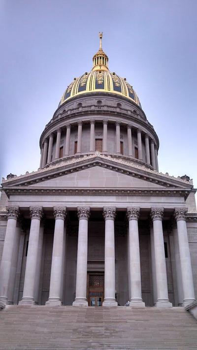 West_Virginia_State_Capitol_1.jpg