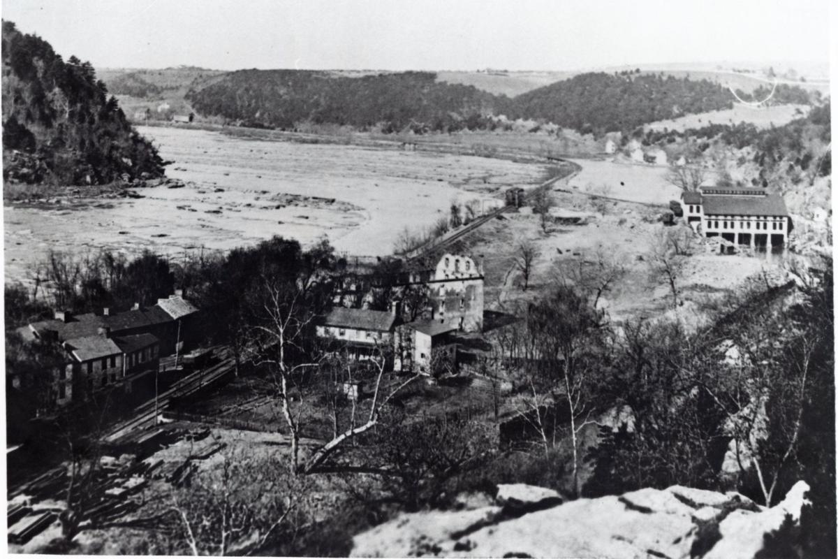 IMG1082029 Shenandoah Pulp Mill Lake Quigley.jpg