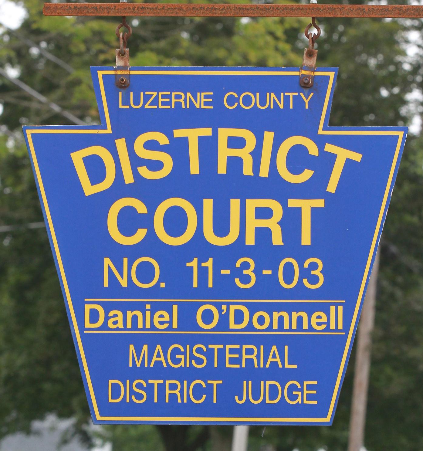 district court 11-3-03p3.jpg