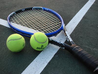 LOCAL ROUNDUP: Tennis teams fall in District 2 openers