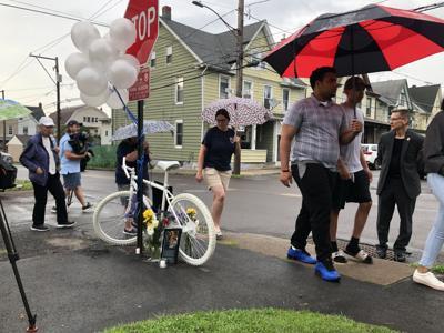 Vigil passes ghost bike for Hector Padilla