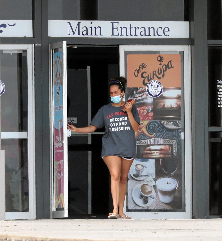 Not all businesses enforcing mask mandate