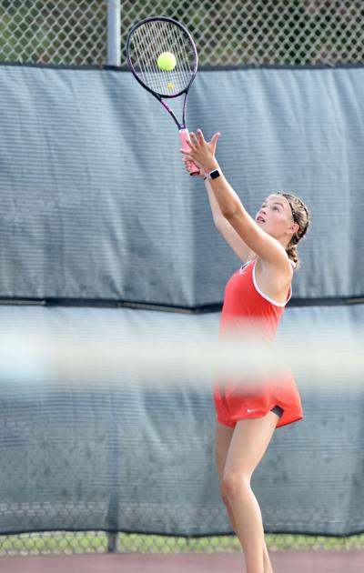 Cougar golf, tennis teams wins matches