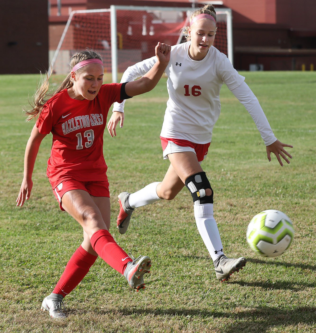 Reese Kaschak, Lady Cougars score late to topple Crestwood