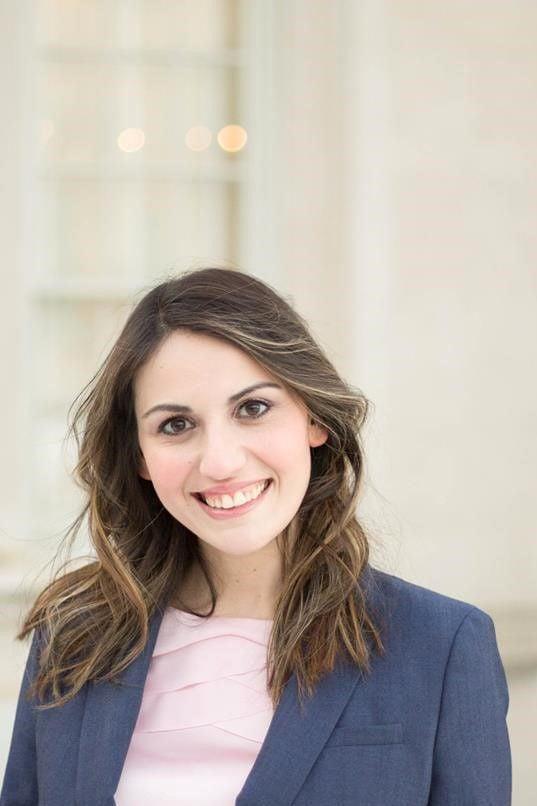 Irina Manelis Headshot