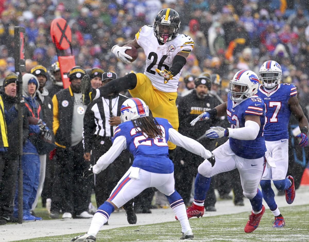 2016: Steelers' Le'Veon Bell scores three times, gains franchise-record 236 yards rushing