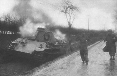 Captured_German_Panther_tank_crewman_1944