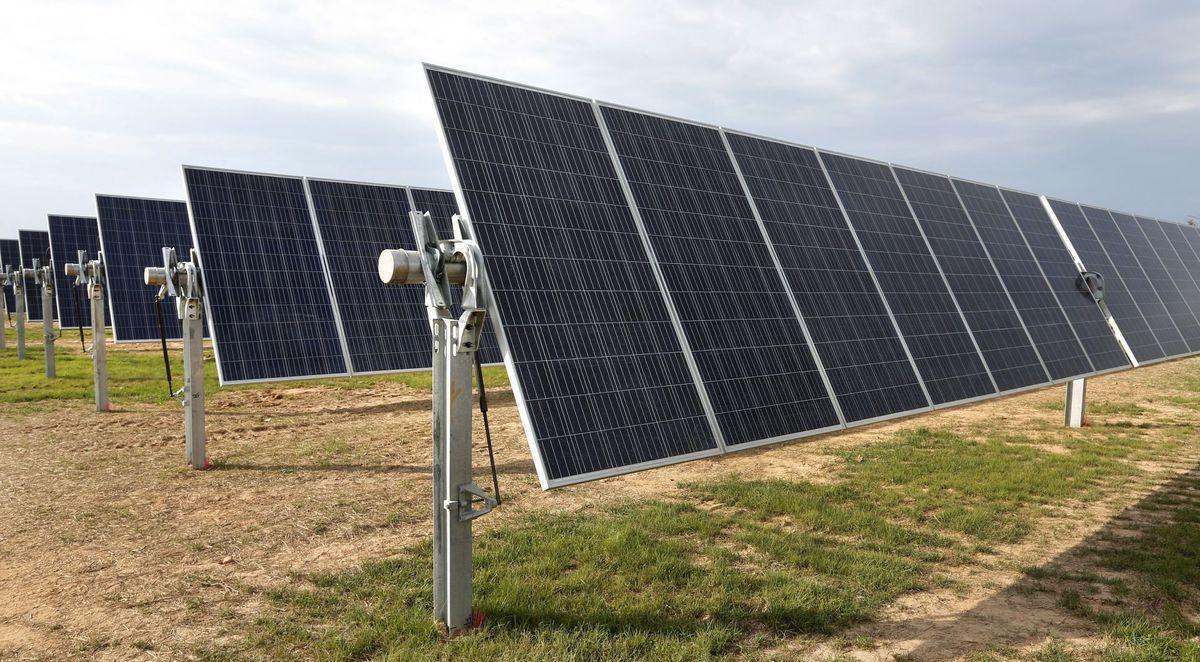Utility-scale solar power plants