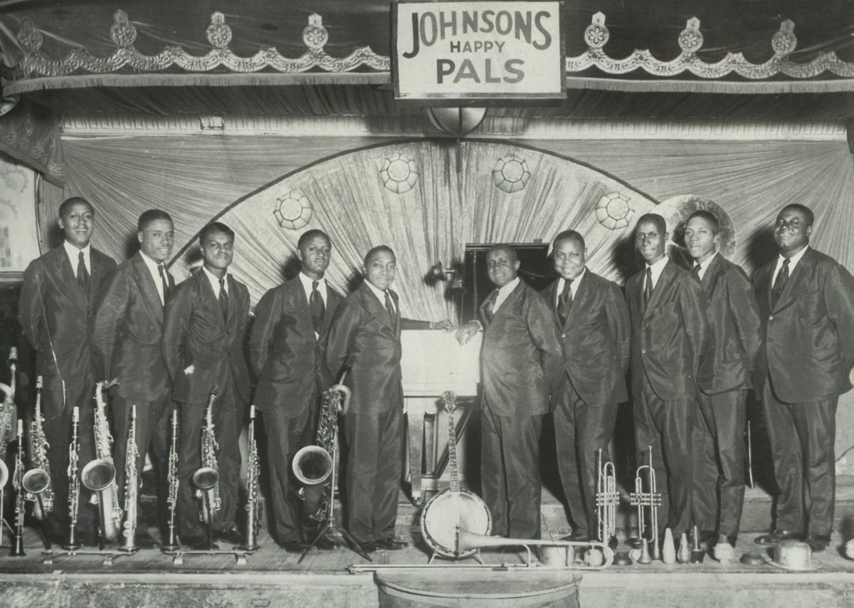 JohnsonsHappyPals-1929 (2).jpg