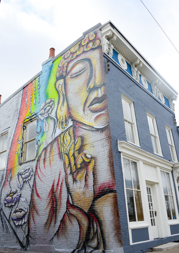 Muralist gives downtown building a facelift