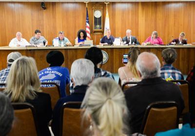 Mural moratorium gets first reading amid heated debate