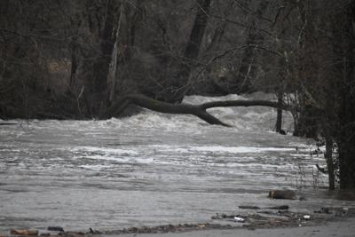 022821.FloodWarning_ly.JPG