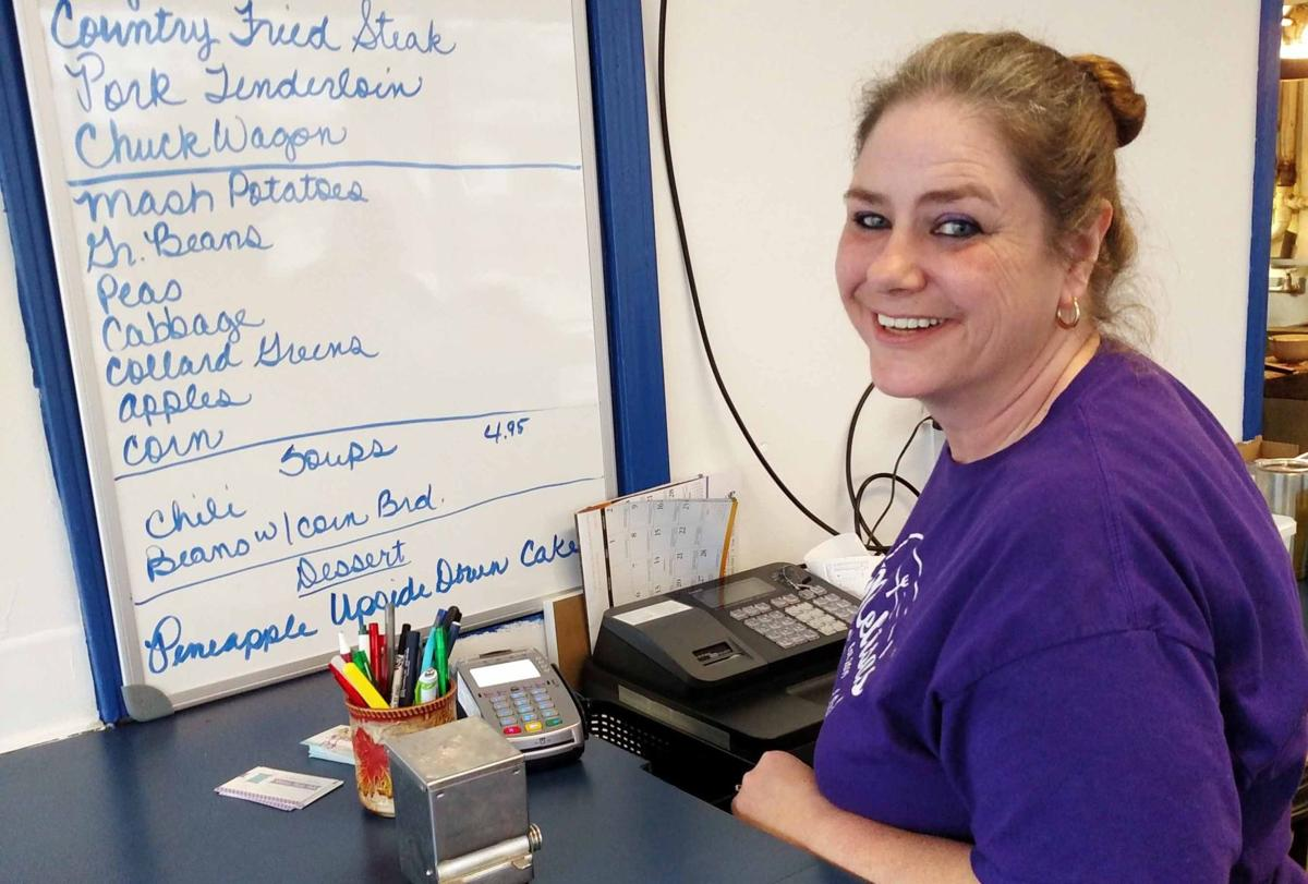 Business Spotlight: Lacy packing 'em in at Melisa's Family Diner
