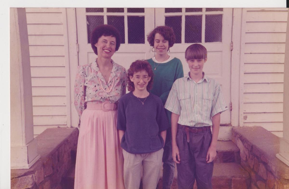 Libby Campbell with Union Grove, Harmony students, 1989.jpg