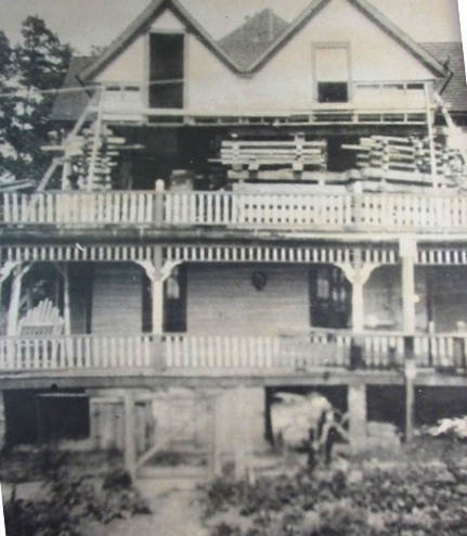Lucas Mansion During Expansion.jpg