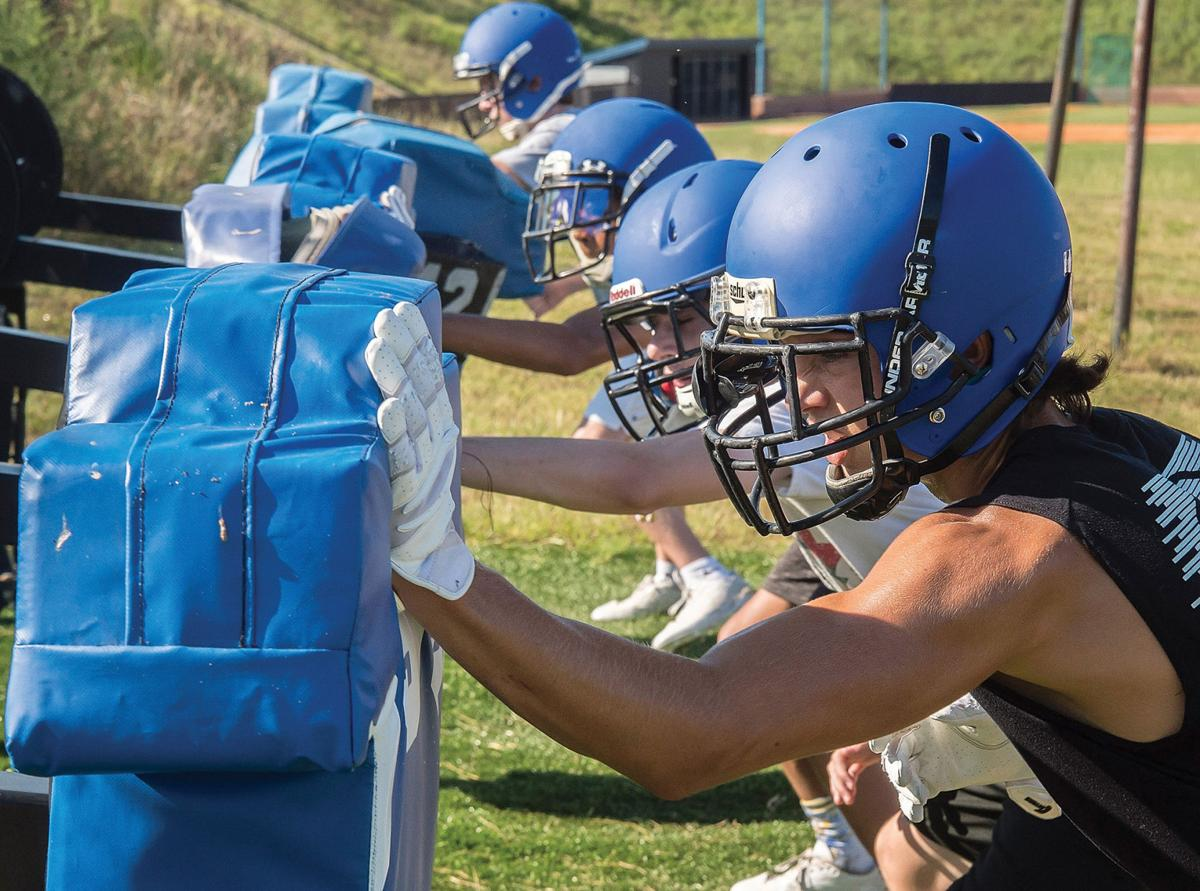 High School Football Forward Looking Lake Norman Gets It In Gear