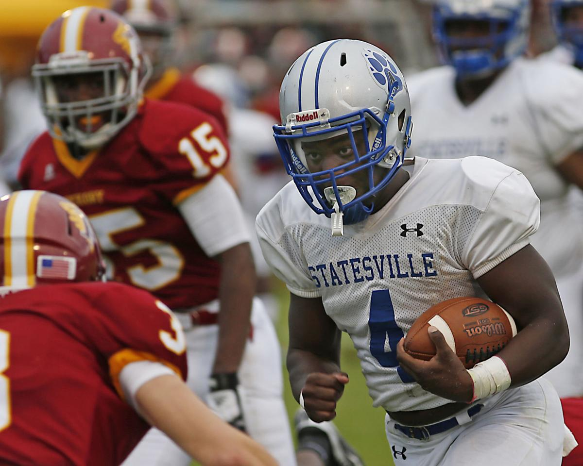 Statesville RB commits to Charlotte 49ers