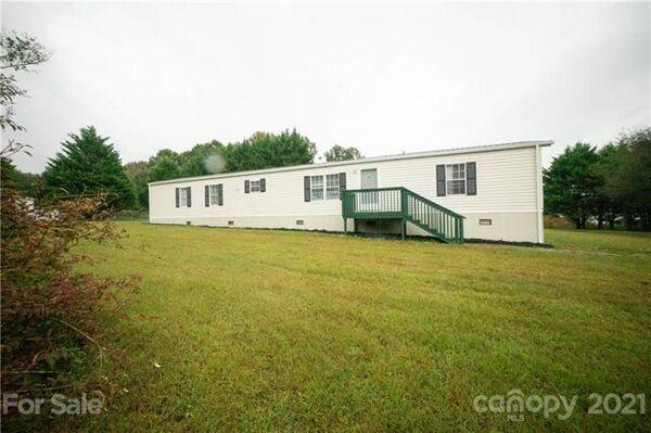 2 Bedroom Home in Hiddenite - $89,900