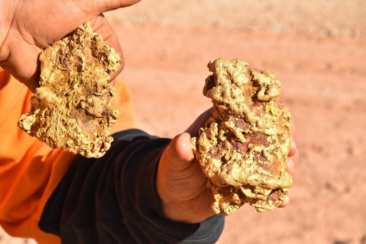 Two giant gold nuggets worth $250,000 found in Australia