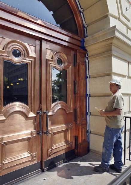 Capitol Renovation Doors & Gauen: Lavish doors at Illinois Capitol symbolize out-of-touch ...