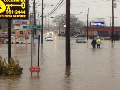 Flash floods hits Manchester Road between Hanley and Brentwood in St. Louis