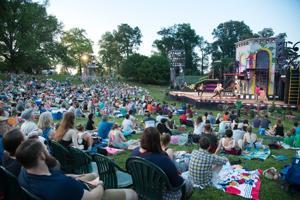 'Banyak basa-Basi Tentang apa-Apa' menyoroti Shakespeare Festival ini diperluas ke-20 musim ulang tahun