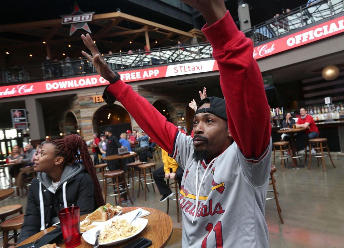 Local bars welcome baseball fans to watch season opener