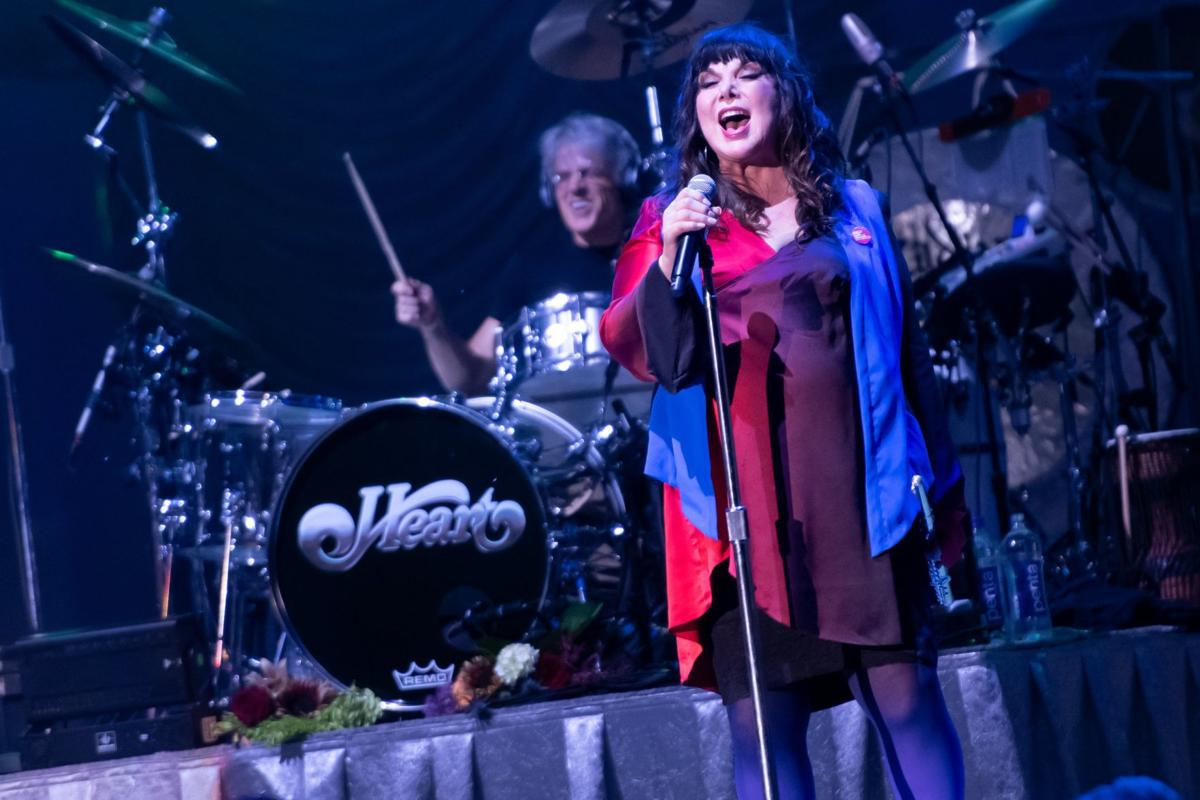 Heart kicks off 'Love Alive' tour at Hollywood Casino Amphitheatre
