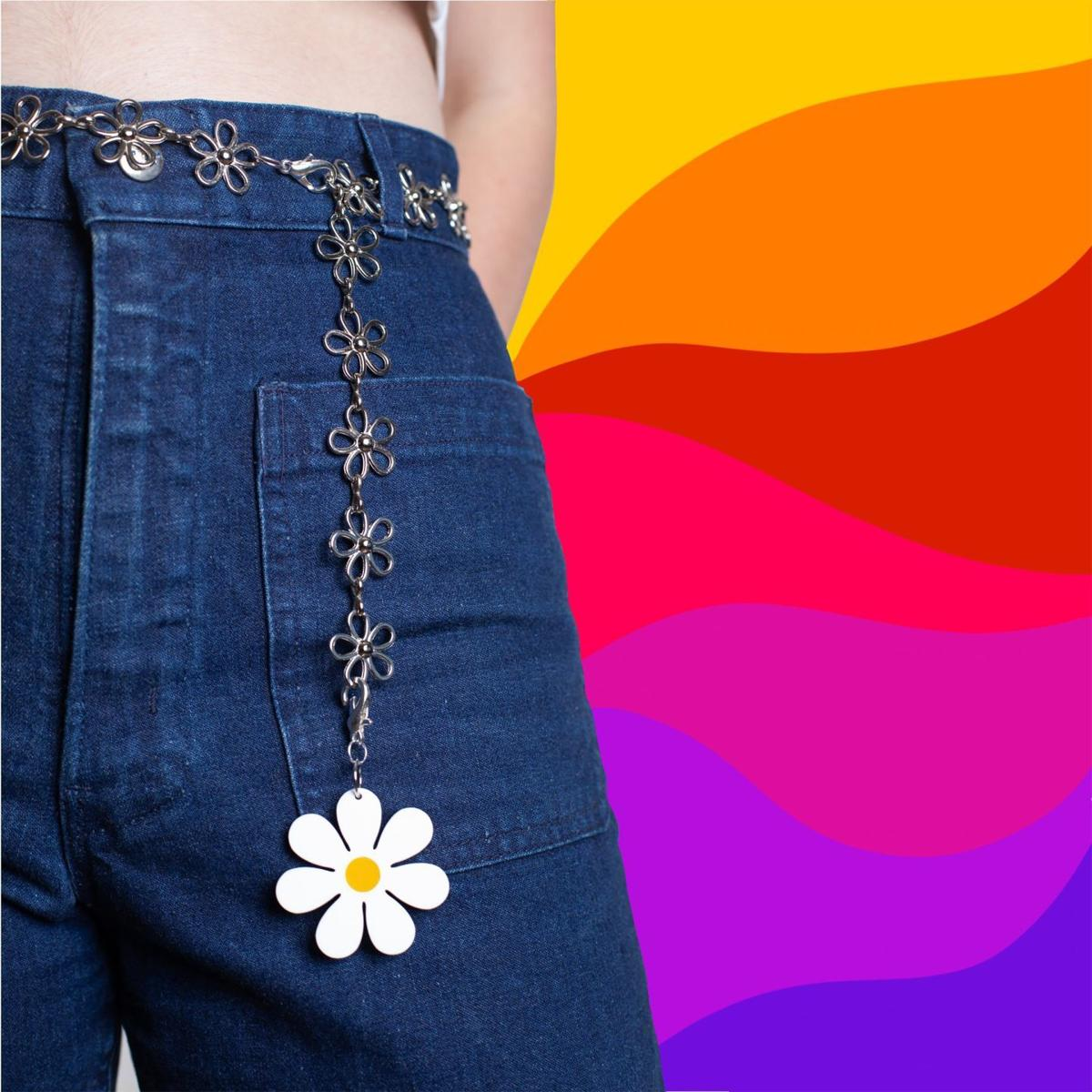 Daisy Chain Belt with White Daisy charm