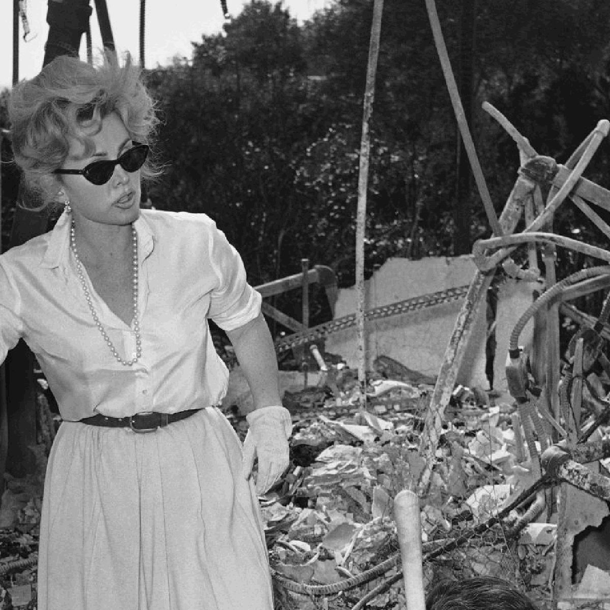 Zsa Zsa S Fire A Good Egging And More 25 Iconic Photos Taken On