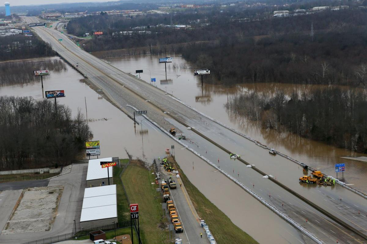 Illinois jefferson county ina - Interstate 55 Is Flooded Near Arnold
