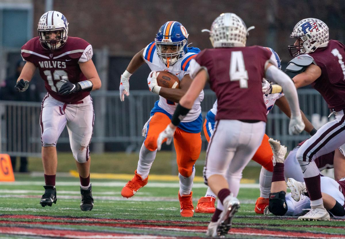 East St.Louis_PrairieRidge_6A_football_1130