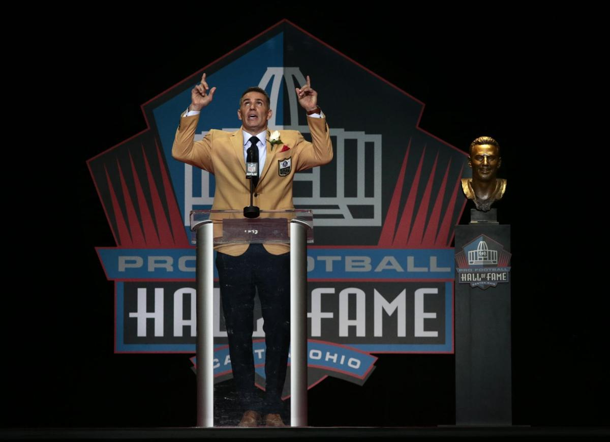 Warner enshrined into the Pro Football Hall of Fame