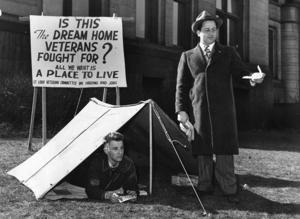 までの道のりを振り返り•返戦で驚picketed市役所への抗議行動の密住宅市場