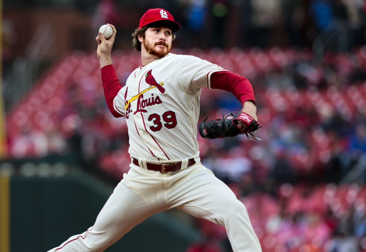 Cardinals duel Pirates