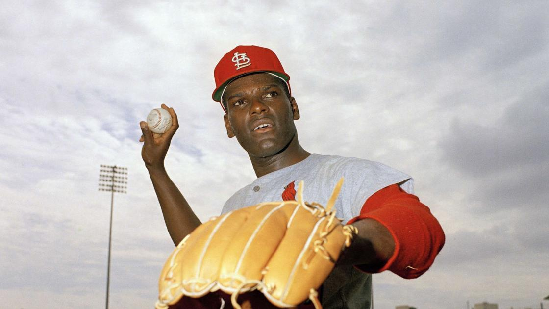Resilient Cardinals legend Gibson throws cancer a curve
