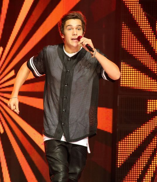 Teen singer austin mahone says hes no bieber music stltoday pop music singer austin mahone performs in concert at pier six pavilion on tuesday aug 19 2014 in baltimore photo by owen sweeneyinvisionap m4hsunfo