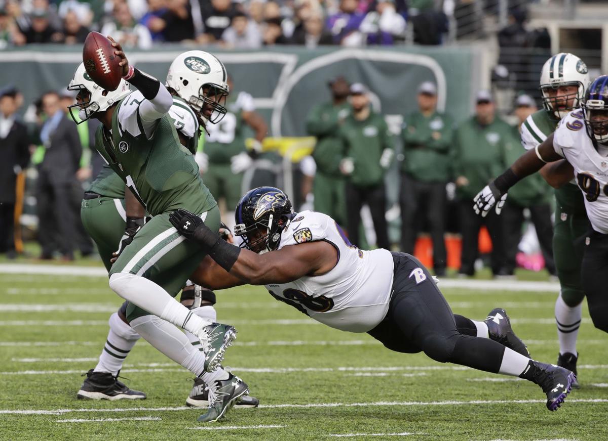 bff2e7452 Ravens Jets Football. Baltimore Ravens nose tackle Brandon Williams (98) .