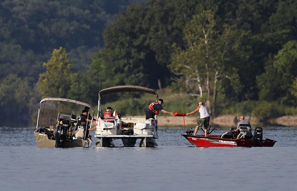 Authorities identify 17 dead in Table Rock Lake boat