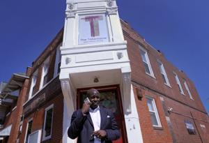 Gereja kecil langkah-langkah untuk membantu membangun kembali rusak utara St. Louis yang