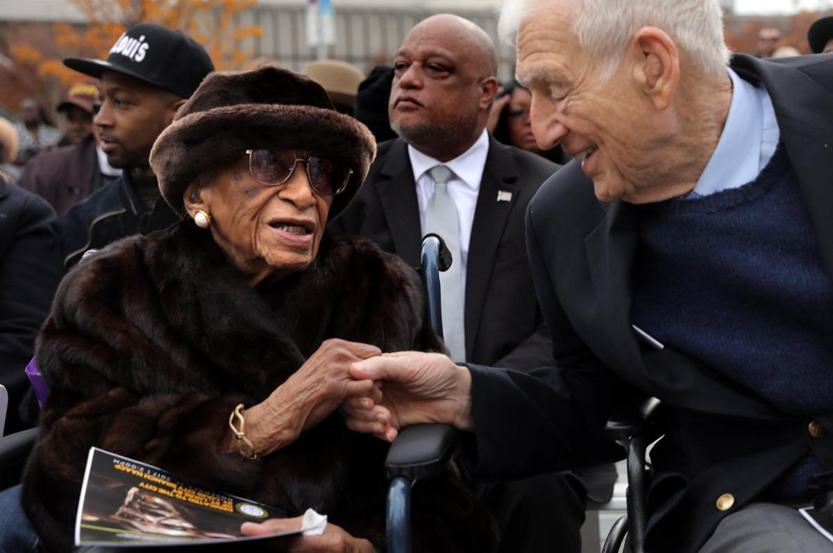 Civil rights icon Frankie Muse Freeman honored with statue