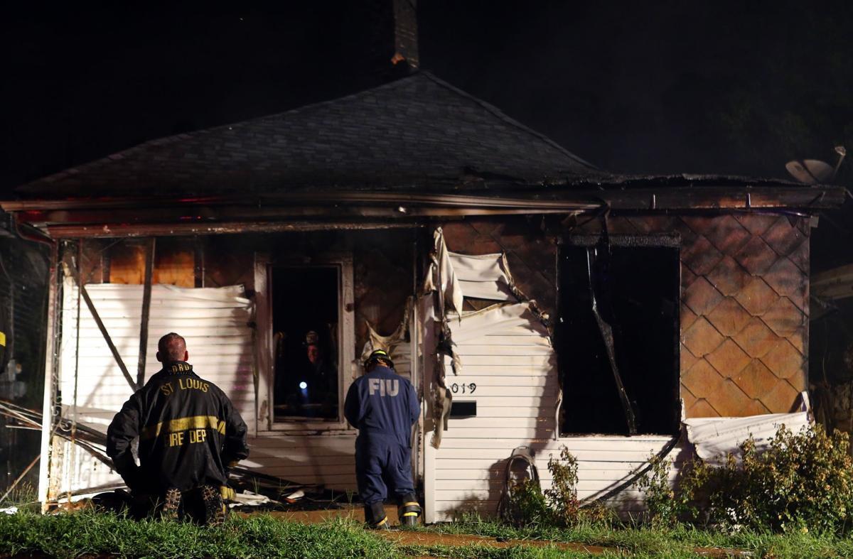 Fire destoys south St. Louis home on Taft