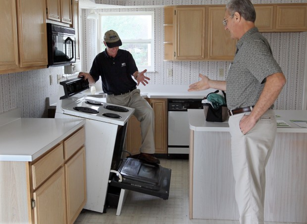 Home inspectors check for oven safety