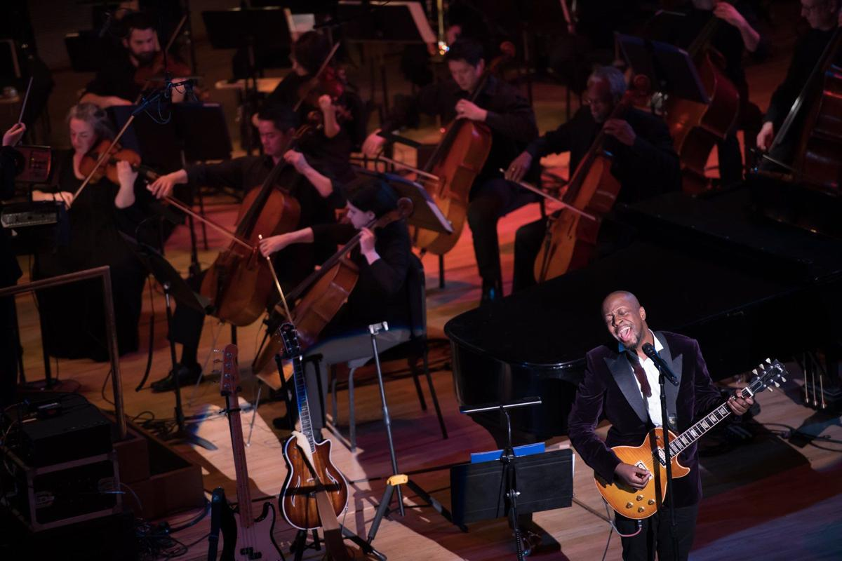 Wyclef Jean performs with SLSO