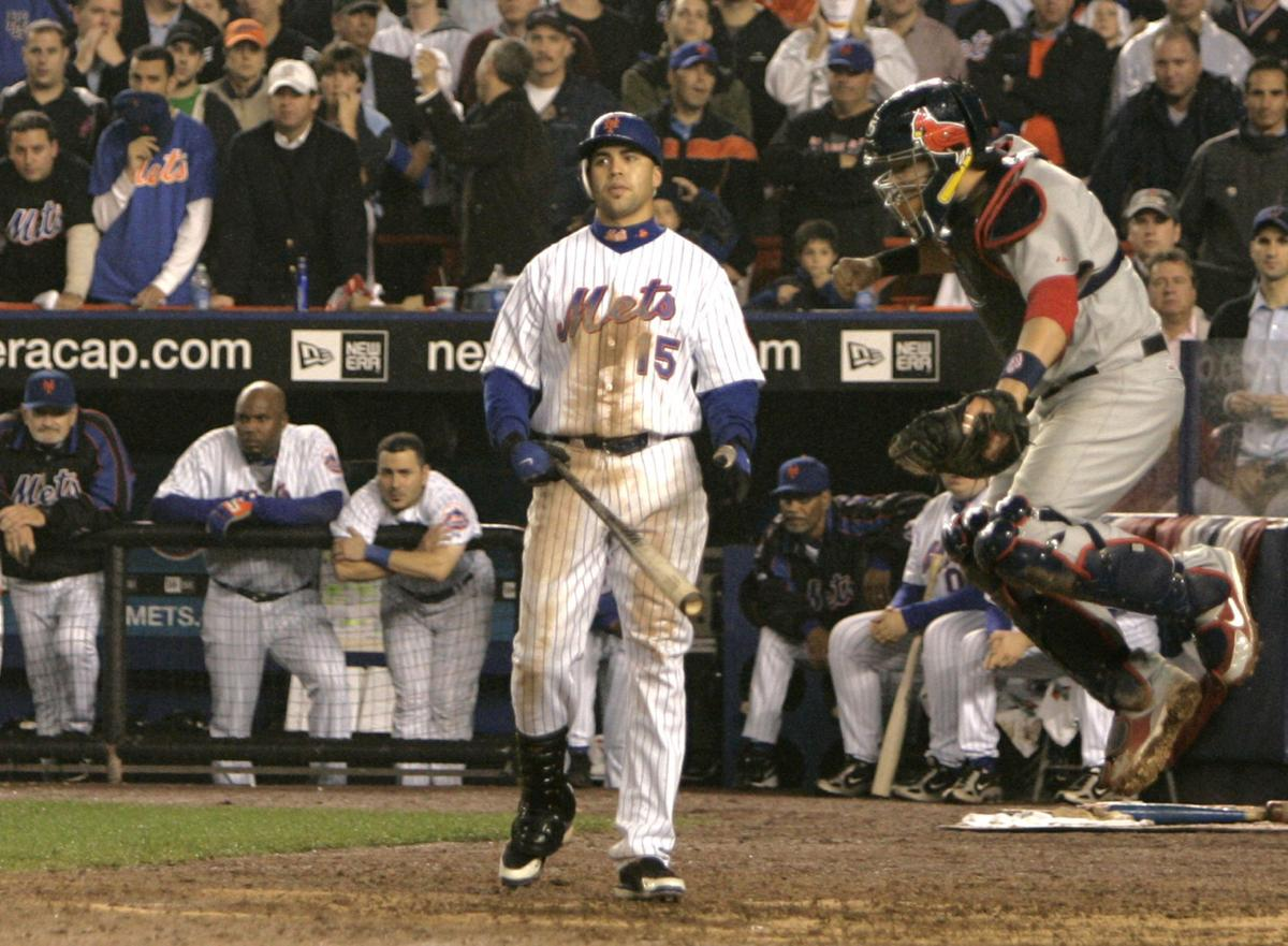 Molina jumps for joy in 2006 NLCS Game 7 win over Mets
