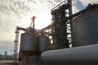 Bunge SCF operates new elevator on Mississippi