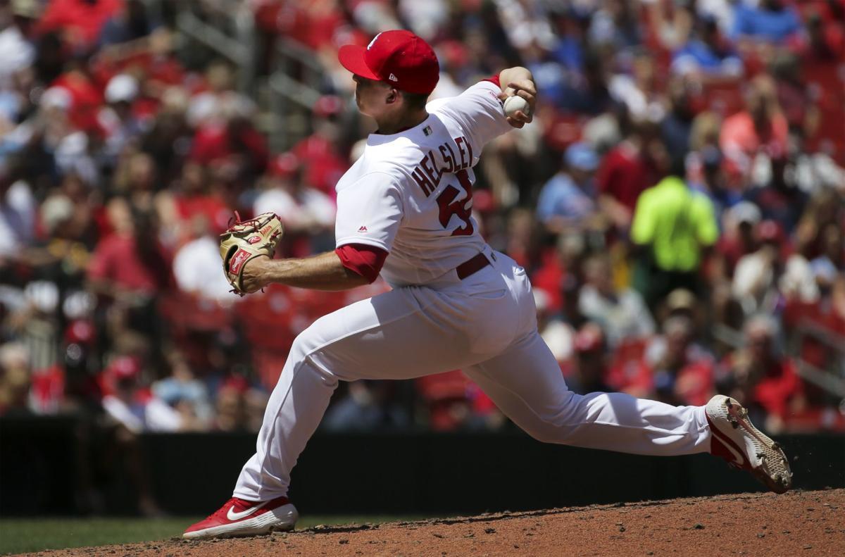 Reds' turn to rally as Mikolas' gem cracks, Cardinals lose, 3-2